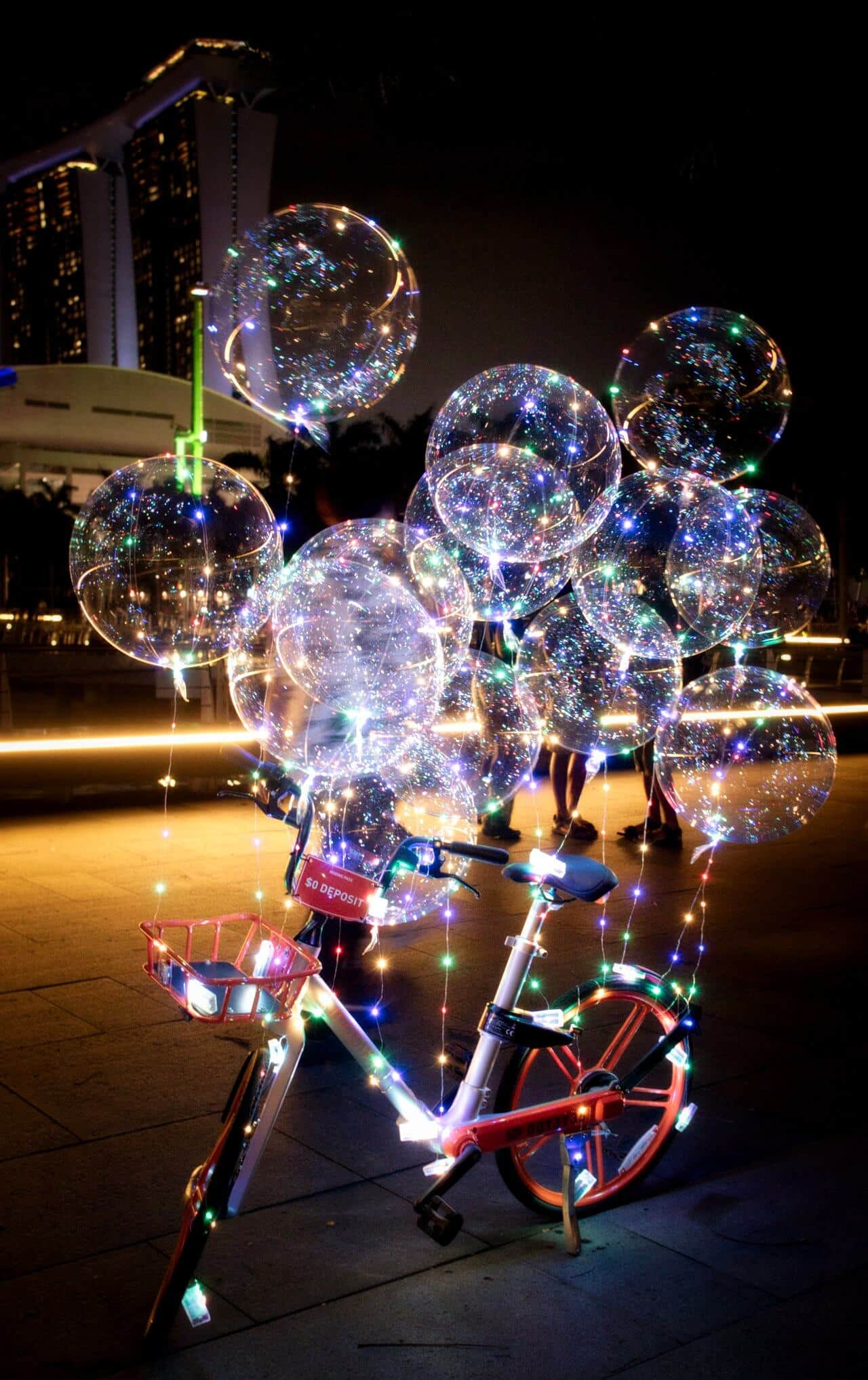 Funny-Balons-with-Lights-Singapore-Marina-Bay