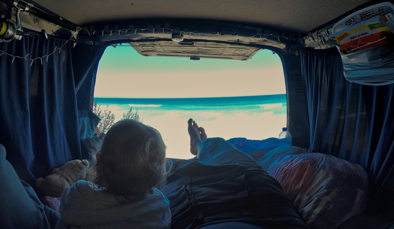 first-stopp-ocean-view-inside-the-van-eastcoast-south-island-new-zealand