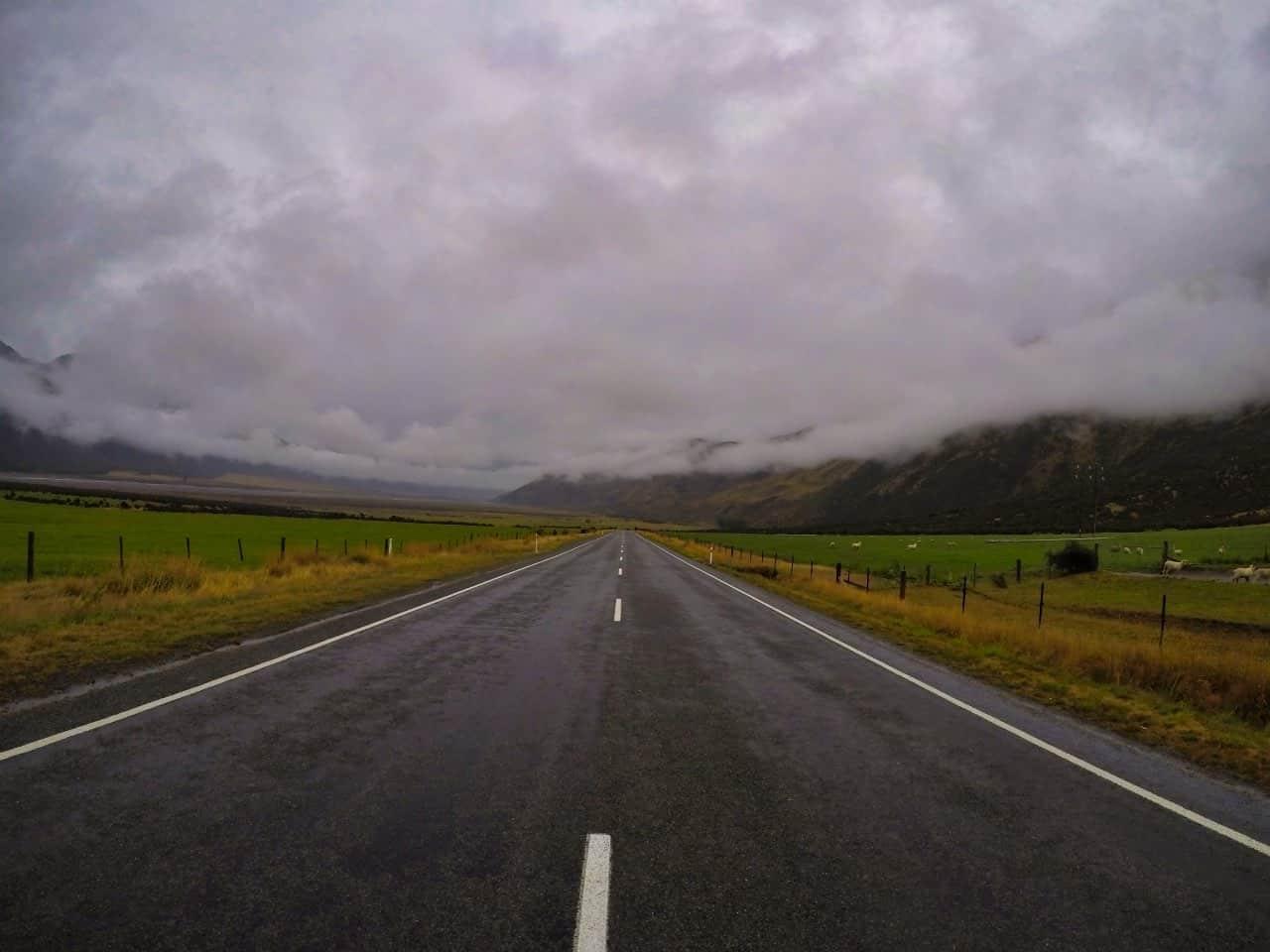 Arthurs-Pass-New-Zealand-rainy-day-Street-2