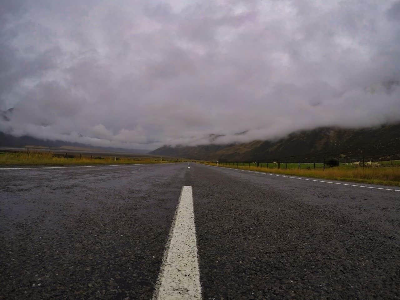 Arthurs-Pass-New-Zealand-rainy-day-Street