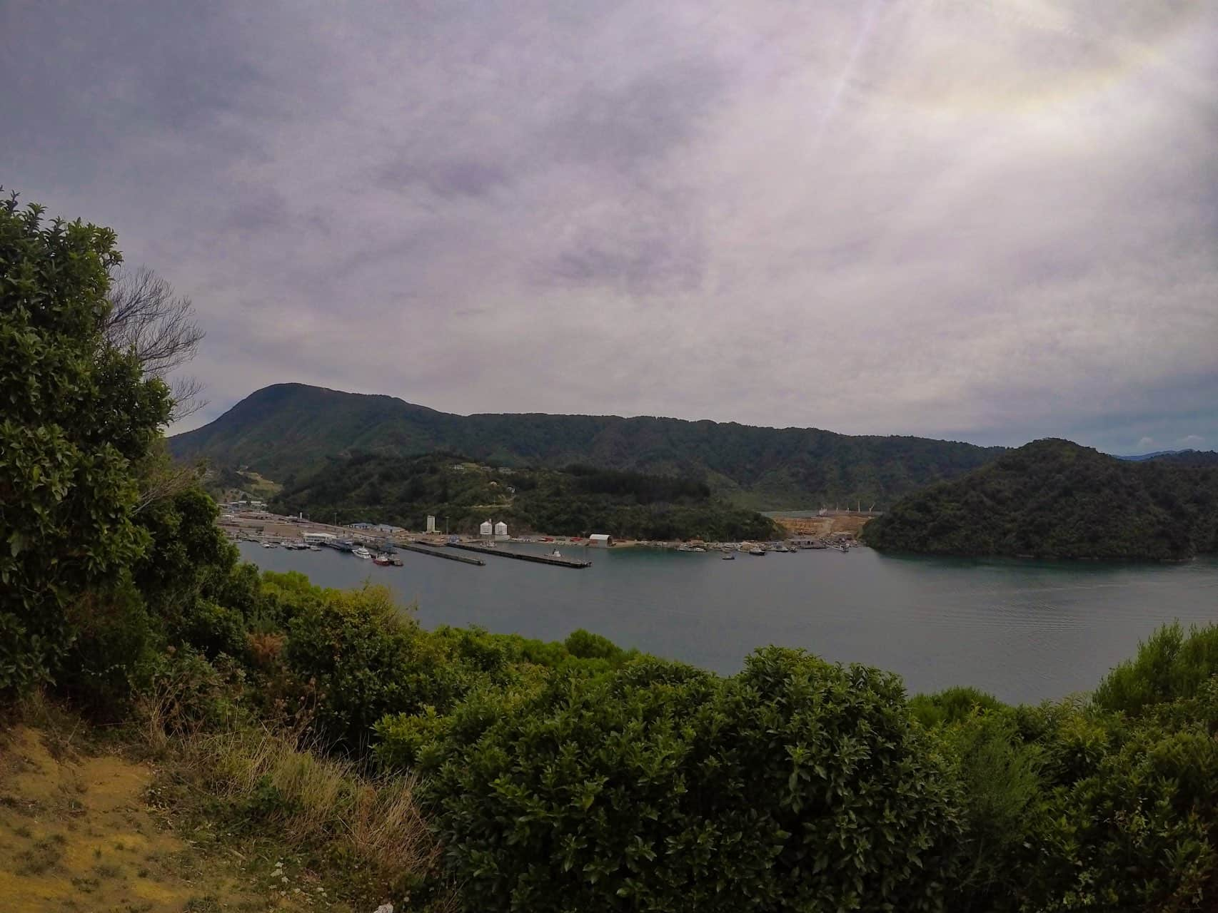 Bobs-Bay-Track-Piction-Harbor-View
