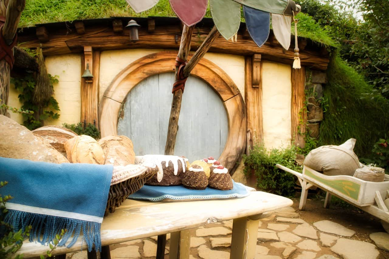 Hobbiton-Cake-Bread-in-front-of-house