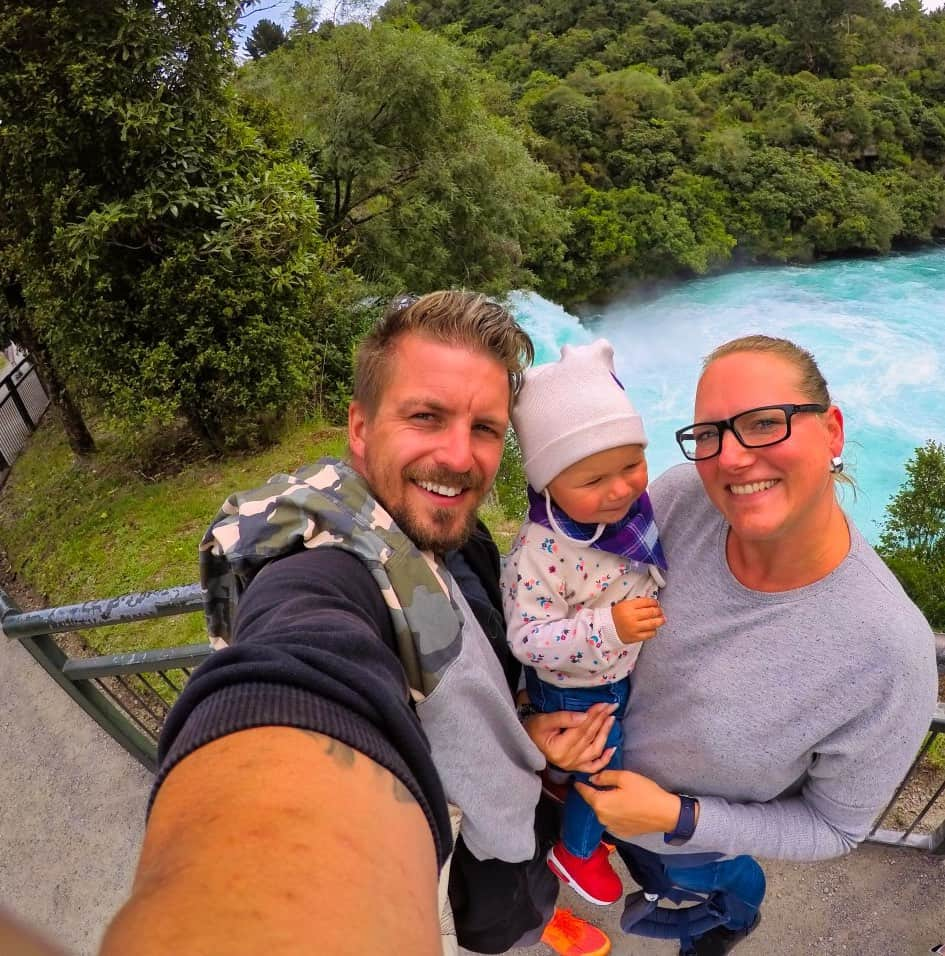 Huka-Falls-Selfie-Sandy-Tabea-Sebastian