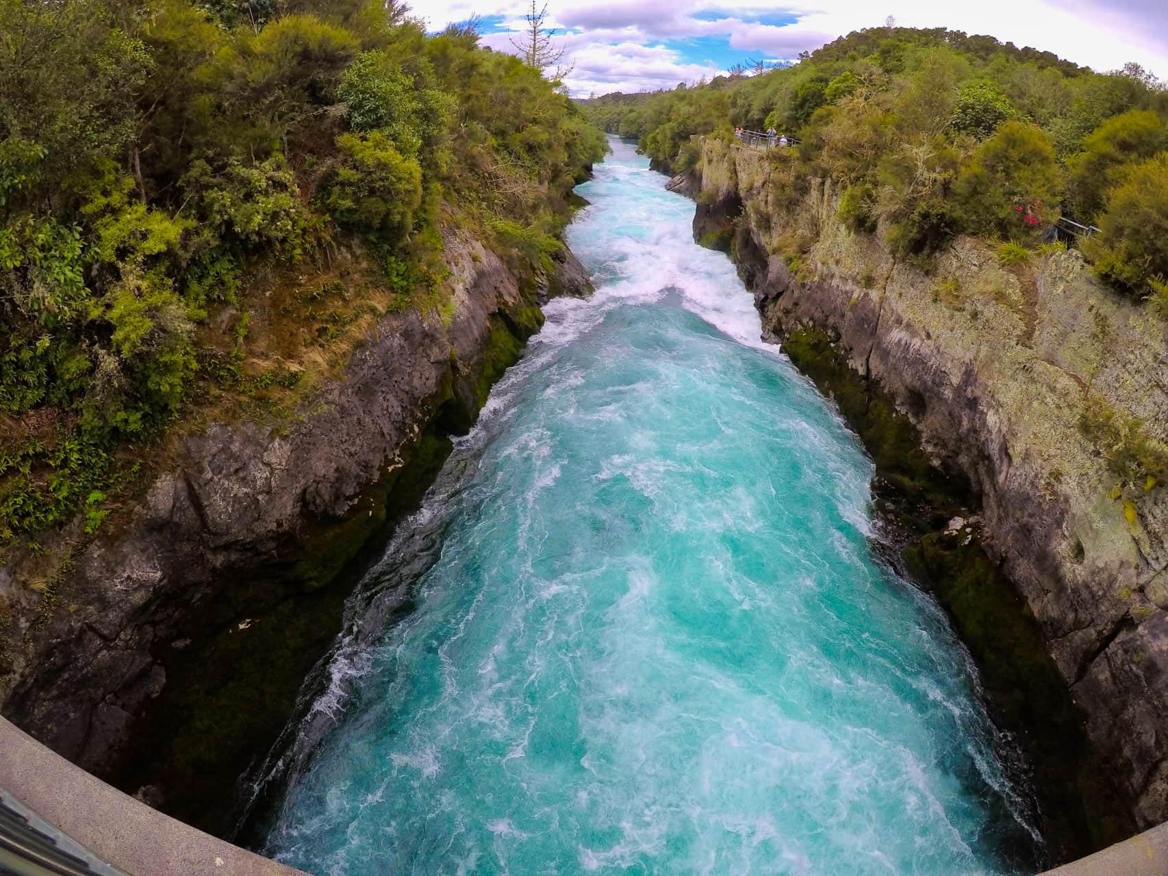 Huka-Falls-Taupo-New-Zealand-2
