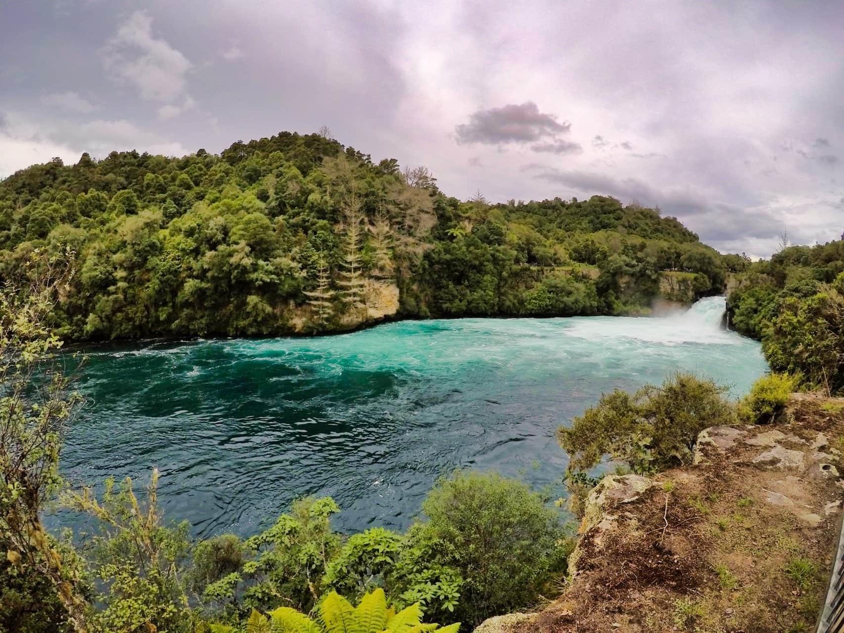 Huka-Falls-Taupo-New-Zealand-Lookout