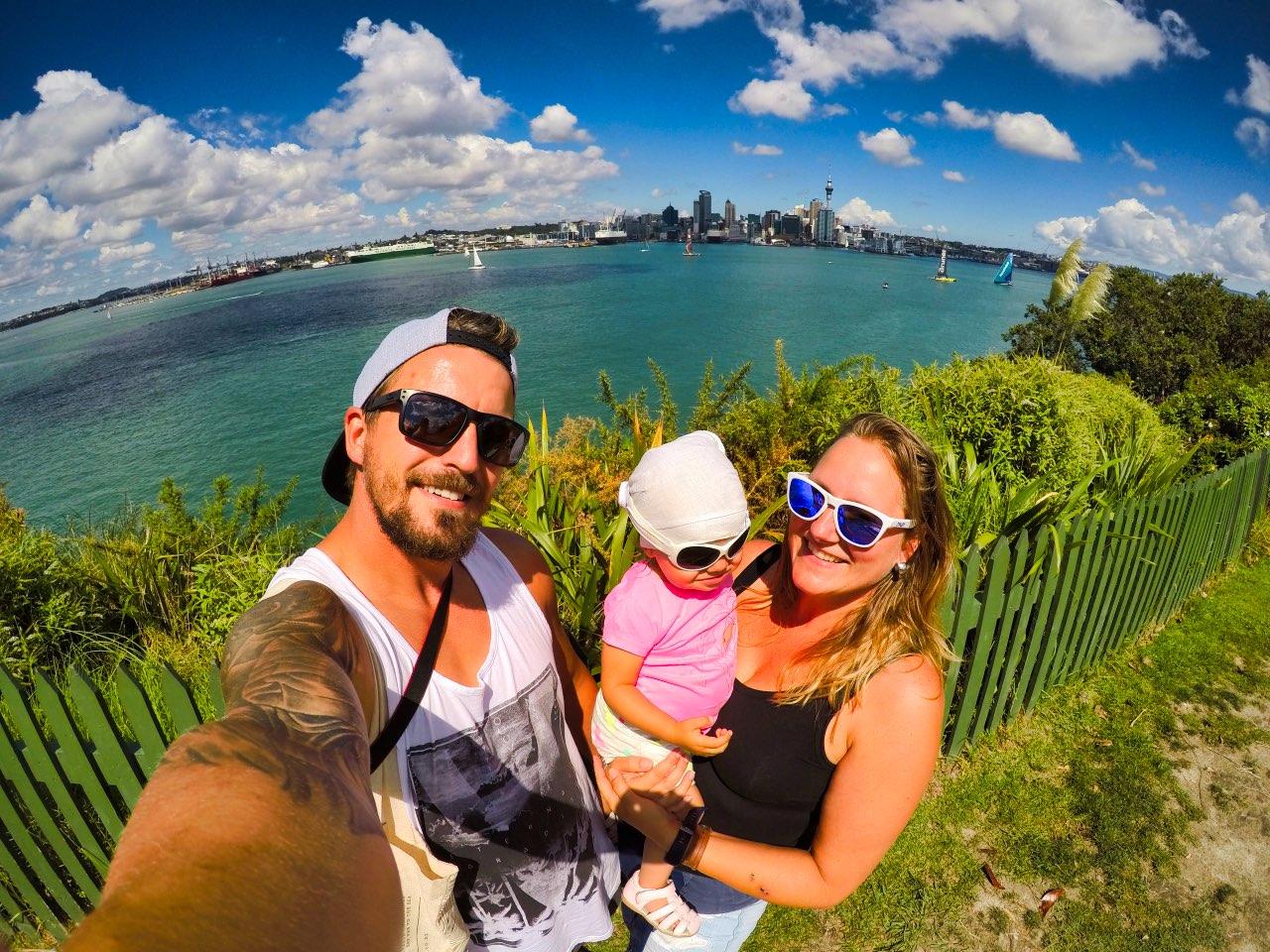 Auckland-Skyline-Selfie