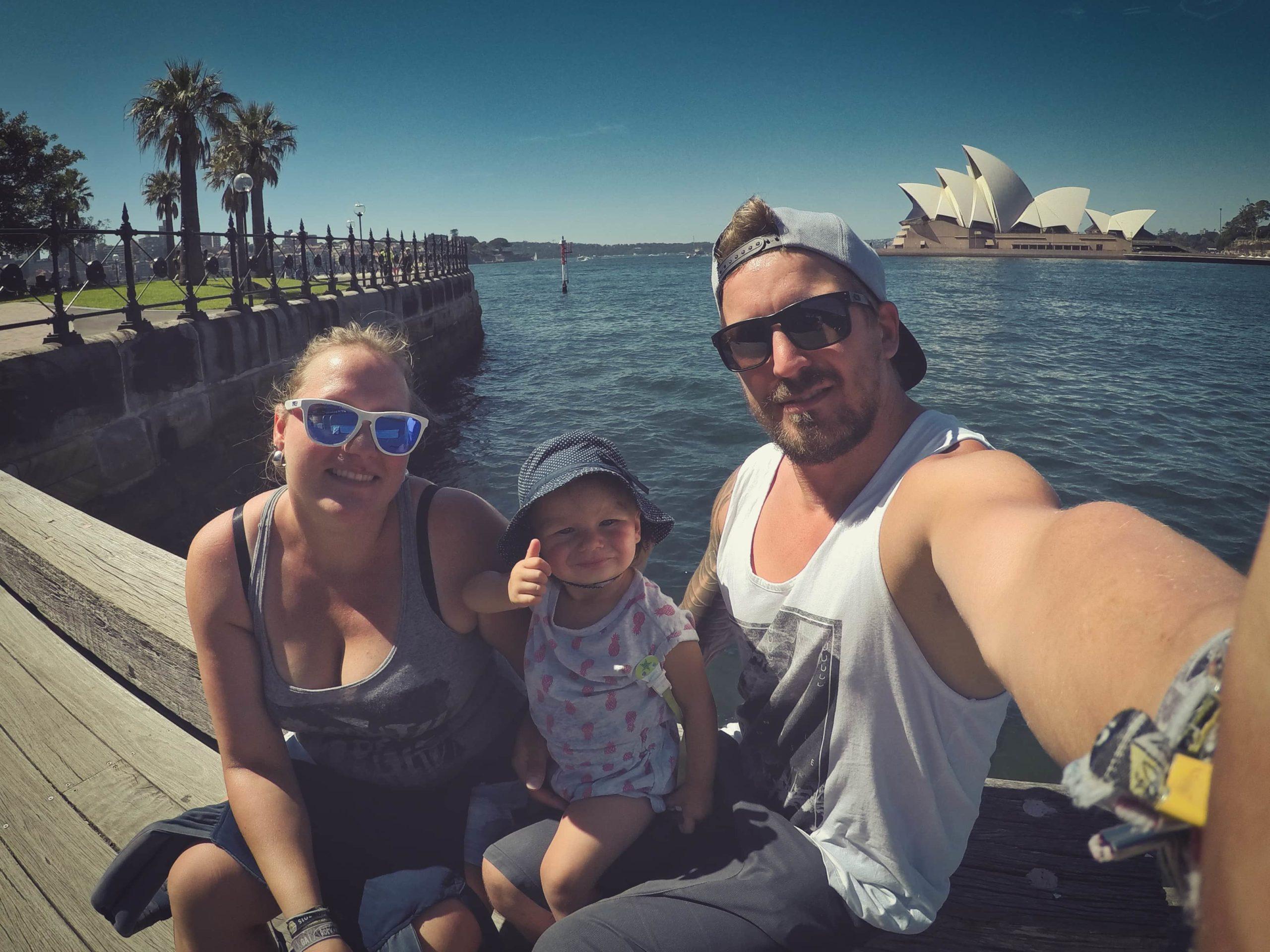 Sandy Tabea Sebastian Selfie vor Opera House Sydney