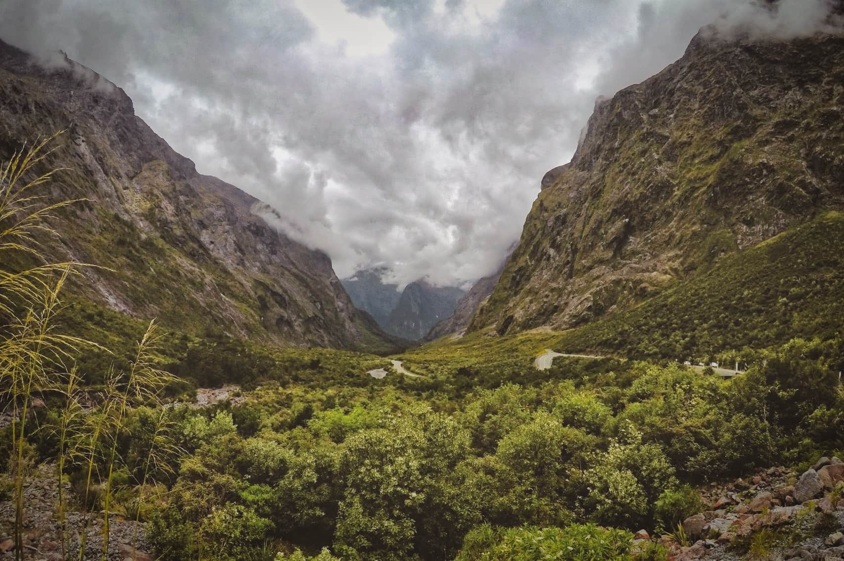 Fiordland-National-Park-Milford-Sound-Highway-Southland-Homer-Tunnel